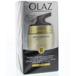 Olaz Total Effects Zelfbruiner SPF12 50ml 7in1 Hydraterende Dagcrème